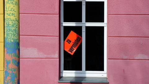 Den Wiesbadener Mietspiegel gibt es seit 1976. Dieses Jahr wurde er zum 13. Mal fortgeführt.  Symbolfoto: dpa