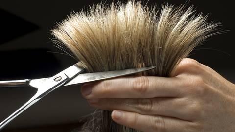 Kaum dürfen Friseure wieder öffnen, setzt ein Run auf Termine ein.  Symbolfoto: dpa