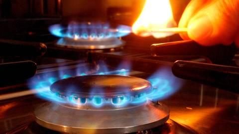 Der Energieversorger Syna stellt sein Gasnetz um. Dabei kann es sein, dass überschüssiger Brennstoff abgefackelt wird. Symbolfoto: dpa