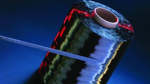 Kohlenfasern gelten als wichtige Werkstoffe für die Produktion von E-Automobilen. Foto: SGL