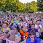 Bilder, wie aus einer anderen Zeit. Heute undenkbar. Publikumsmassen beim Konzert der Simple Minds auf der Zitadelle 2018.      Archivfoto: Sascha Kopp