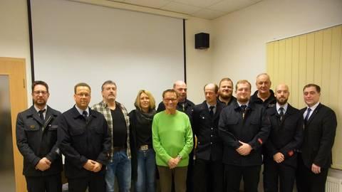 Der neuer Vorstand mit den geehrten Jubiläumsmitgliedern. Foto: Seifert