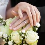 Bei privaten Feiern wie Hochzeiten gibt es weiter keine bundesweit einheitliche Regelung zur maximalem Teilnehmerzahl. Foto: WavebreakMediaMicro