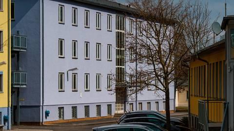 In Gebäude IV im Meisenbornweg soll eine Jugendherberge eröffnen. Foto: Friese