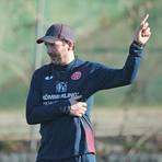 Rundherum zufrieden mit dem bisherigen Verlauf des Trainingslagers: Mainz 05-Trainer Sandro Schwarz Foto: rscp