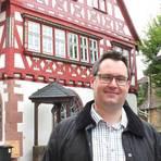 Er weiß, was die Bürger in Birkenau bewegt: Bernd Brockenauer ist seit 2011 Ortsvorsteher und setzt sich für parteiübergreifende Zusammenarbeit ein.  Foto: Katja Gesche  Foto: Katja Gesche