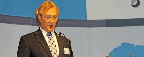 Kreishandwerksmeister Wolfram Uhe spricht sich am Tag des Handwerks für die duale Ausbildung aus.   Foto: Schindler