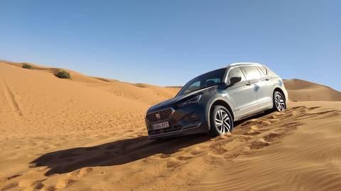 Ein Einsatzgebiet, in dem man den Seat Tarraco vermutlich nicht allzu häufig sehen wird: Dünenlandschaft in Marokko. Foto: Julian Peters