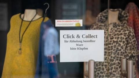 """Zurück zu """"click & collect"""" geht es am Freitag wieder für den Alsfelder Einzelhandel.   Foto: Friso Gentsch/dpa"""
