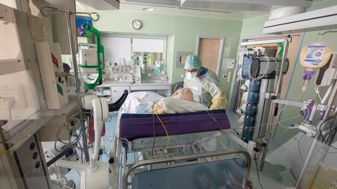 Derzeit ist die Anzahl verfügbarer Intensivbetten in Hessen ausreichend.  Foto: dpa
