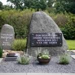 Immerhin: Die Erinnerungsstätte im Waldstadion verweist auf den VfB 1900. Foto: Ben