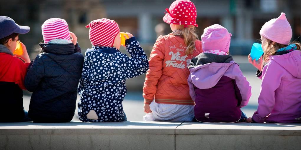 Kostet die Betreuung in Kindertagesstätten in Zukunft mehr? Die Braunfelser Stadtverordneten wollen sich möglichst bald mit einer neuen Gebührensatzung für die Kitas der Stadt befassen.  Foto: Frank Rumpenhorst/dpa