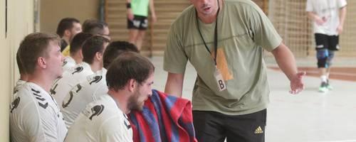Immer nah an seinen Spielern: Saulheims Trainer Kai Christmann. Archivfoto: Photoagenten/Axel Schmitz