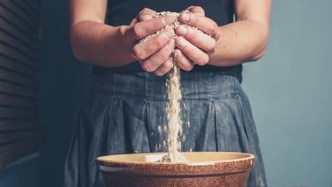 Getreide ist und bleibt für viele Menschen ein Grundnahrungsmittel.  Foto: LoloStock - stock.adobe