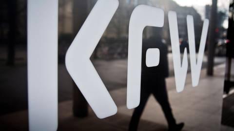 Günstige Darlehen gibt es von der KfW - aber auch aus anderen Quellen.  Foto: dpa