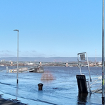 Regen und Tauwetter lassen derzeit nicht nur den Pegelstand des Rheins ansteigen. Foto: Denise Frommeyer