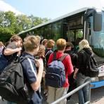 Den Schulbusverkehr unter Einhaltung der Hygienevorschriften zu organisieren, wird eine Herausforderung. Archivfoto: dpa