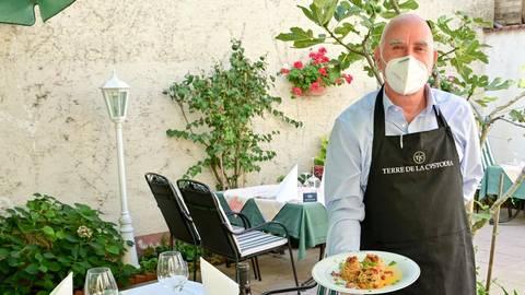 Der 64-jährige Antonio Salvo ist ein Vollblut-Gastronom. Foto: Volker Watschounek