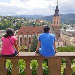 Erste Pause am Panoramaweg rund um Baden-Baden mit Blick auf die Stiftskirche. Foto: Günter Schenk