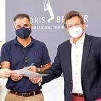 Vertreter von WTHC und Tennis Academy unterschreiben den Partnerschaftsvertrag. Von links: Daniel Köhler, Khaled Ezzedine, Karl-Ludwig von Hanstein, Heinz Faßhold. Foto: Ezzedine Group