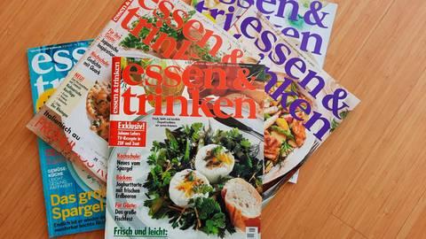 Zeitreise zu den kulinarischen Moden: Magazine geben Auskunft über den jeweiligen Küchen-Zeitgeist. Foto: Bettina Breckner