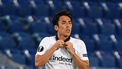 Könnte einen neuen Job im Eintracht-Mittelfeld antreten: Makoto Hasebe. Archivfoto: Hübner