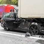 Am Ende des Rückstaus auf der A3 kam es zu einem Unfall, eine Person wurde schwer verletzt. Foto: Wiesbaden112