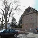Im sogenannten Goetheschulhaus (rechts im Bild) soll die Betreuende Grundschule untergebracht werden. Foto: BilderKartell/Christine Dirigo