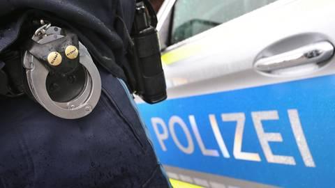 Der Tatverdächtige wurde in die Polizeistation in Hofheim gebracht. Symbolfoto: dpa