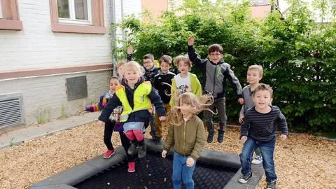 Neues Bodentrampolin In Der Wiesbadener Carlo Mierendorff Schule