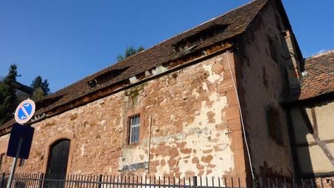 Das Bandhaus neben dem Schlosspark beherbergt Unterlagen über die Geschichte der Region Büdingen seit etwa 1690. Das Land Hessen stuft sie als Privatbesitz der Familie zu Ysenburg und Büdingen ein.   Foto: Nissen/Archiv