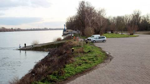 Einen Wohnmobilstellplatz an der Nato-Rampe mit Blick auf den Rhein – das könnten sich die Ortsbeiräte Laubenheim und Weisenau gut vorstellen. Foto: hbz/Jörg Henkel