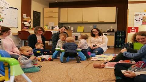Beim Baby Eltern Treff Im Familienzentrum Können Eltern Ihre