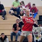 Konzentriert beim Abschluss: In dieser Saison steht Denise Großheim, die zuletzt auch im Rückraum aushalf, bislang bei 58 Toren.Archivfotos: hbz/Kristina Schäfer