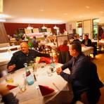 Beliebter Treffpunkt in Wixhausen: Wer im Bürgermeister-Pohl-Haus essen will, reserviert am besten einen Tisch. Foto: Karl-Heinz-Bärtl
