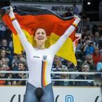 Miriam Welte jubelt über ihren EM-Sieg. Jüngere aus Rheinland-Pfalz sollen das auch mal erleben können. Dafür engagiert sich die Bahnrad-Olympiasiegerin als Vizepräsidentin Leistungssport beim Landessportbund. Archivfoto: dpa