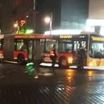 Bei den Bushaltestellen am Mainzer Hauptbahnhof hat es am Freitagabend einen Unfall gegeben. Foto: Privat