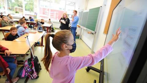 Kurzfristige Schulöffnungen nach der Bund-Länder-Konferenz sind in Rheinland-Pfalz wohl nicht zu erwarten. Archivfoto: BilderKartell / Ben Pakalski