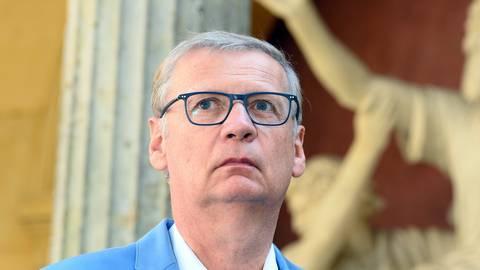 Wie sein Haussender RTL am 09.04.2021 in Köln mitteilte, muss der 64-Jährige deshalb zum ersten Mal seit 31 Jahren krankheitsbedingt bei einem Moderationsjob ausfallen.  Foto: Soeren Stache