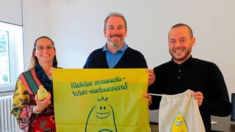 """Der Herborner Verein """"Trendy"""" unterstützt  Kindergärten. Darüber freuen sich (von links)  Annika Schleifenbaum, Raffael Fruscio und Christian Mateijko.  Foto: Siegfried Gerdau"""