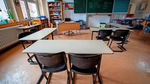 Die zuletzt leeren Klassenräume, wie hier an der Marburger Emil-von-Behring-Schule, werden sich wieder füllen.  Foto: Thorsten Richter