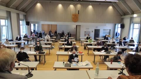 Alle 37 Mitglieder der Mühltaler Gemeindevertretung sind bei der konstituierenden Sitzung im Bürgerzentrum Nieder-Ramstadt dabei. Foto: Rebecca Keller