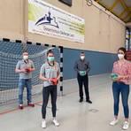 Matthias Stroh, Trainerin Michelle Rolshausen, Gabriel Verhoff und Katharina Schardt (v.l.) schlossen den Kooperationsvertrag.  Foto: Mattern