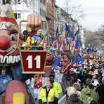 Die Zuschauer jubeln den Akteuren des Mainzer Rosenmontagszugs zu. Ob der auch 2021 stattfindet, ist wegen der Corona-Pandemie ungewiss.  Archivfoto: Sascha Kopp