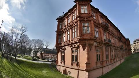 """Das Kurfürstliche Schloss, im Volksmund auch als die """"Gut Stubb"""" bezeichnet, ist """"das bedeutendste Profangebäude der Stadt und Rheinhessens"""". Archivfoto: Sascha Kopp"""