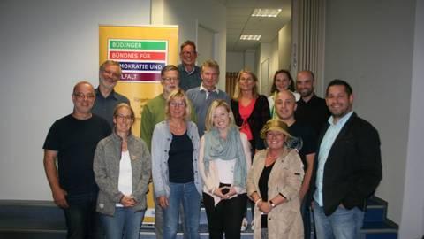 Mitglieder des Büdinger Bündnisses für Demokratie und Vielfalt haben einen Verein gegründet. Foto: Kleinmann