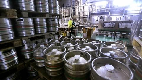 Die Fassbierproduktion, wie hier bei der Pfungstädter Brauerei, wird in den kommenden Wochen erst wieder anlaufen. Archivfoto: André Hirtz