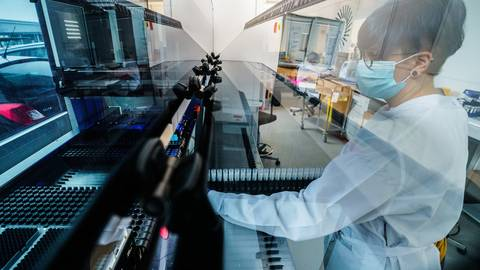 Die britische Coroanvirus-Mutante B.1.1.7 breitet sich zunehmend aus. Im Kreis Bergstraße wurde sie bislang 40 Mal nachgewiesen.    Foto: dpa