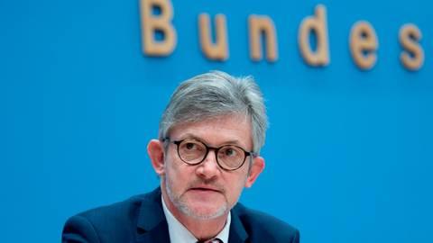 Ralph Spiegler, hier bei der Bundespressekonferenz in Berlin, ist seit Juni 2020 Präsident des Städte- und Gemeindebundes. Foto: dpa