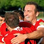 Im August 2012 jubelt Fejz Hodaj (r.) als Spieler der Wetzlarer Eintracht. Mit dabei sind (v.l.) Ürkan Özen, Stefan Hocker und Daniel Beck.  Foto: Tobias Ripl